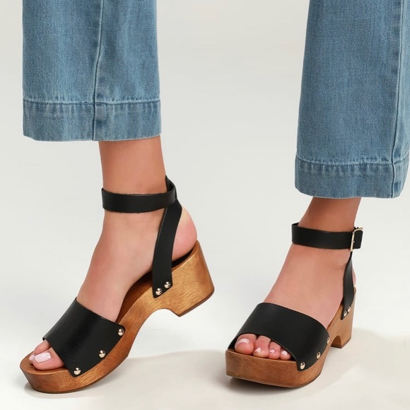 Lulu's Willy Black Leather Open-Toe Clog Sandals